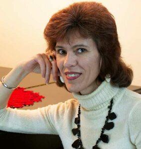 Julia, the founder of LiveWealthyRetirement.com